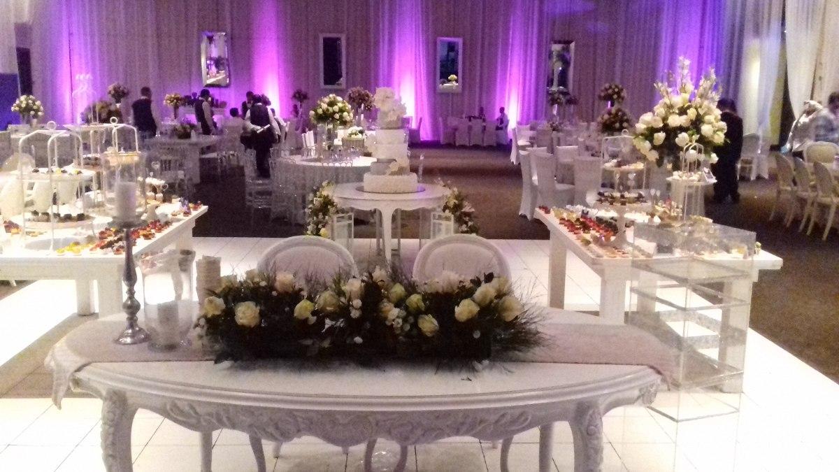 Alquiler luces led para decorar salones stands bodas for Alquiler decoracion bodas