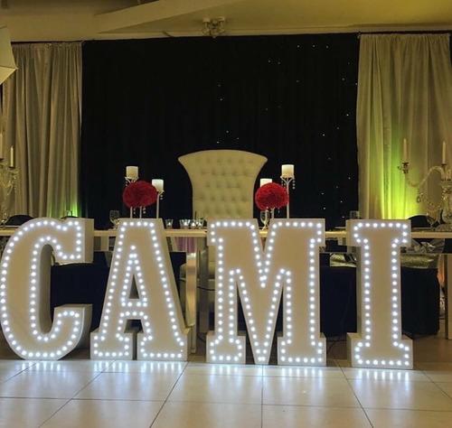 alquiler luces letras luminosas led corporeas para eventos
