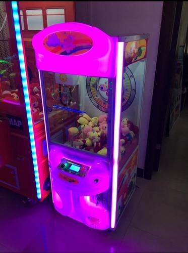 alquiler máquinas gruas de peluches