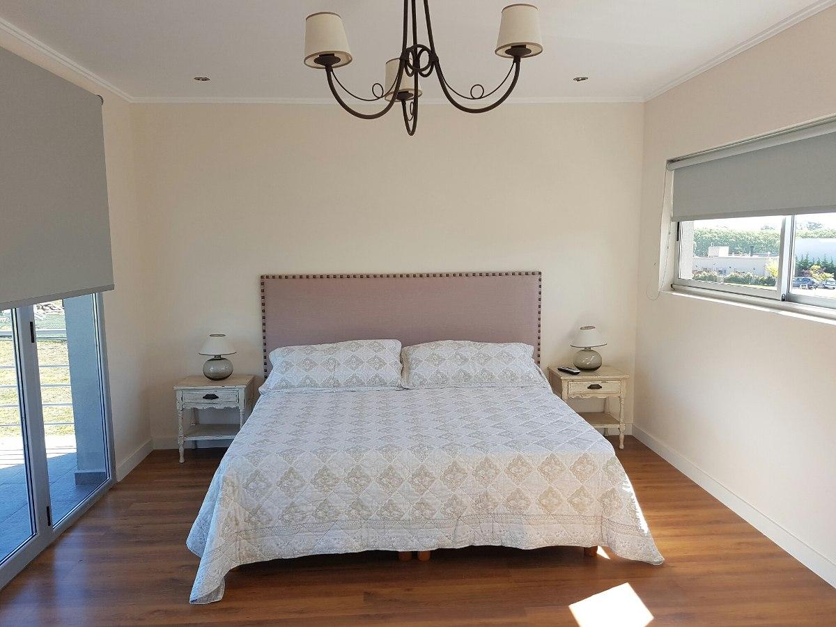 alquiler mar del plata temporada casa pileta  barrio privado