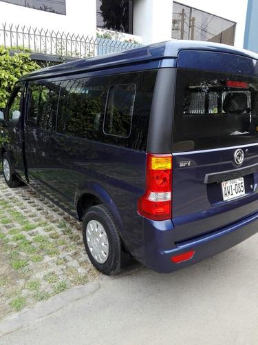 alquiler minivan