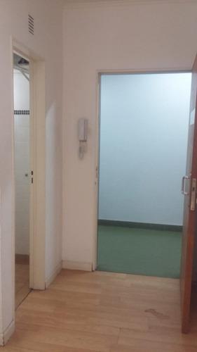 alquiler monte grande oficina con recepcion, privado y baño!
