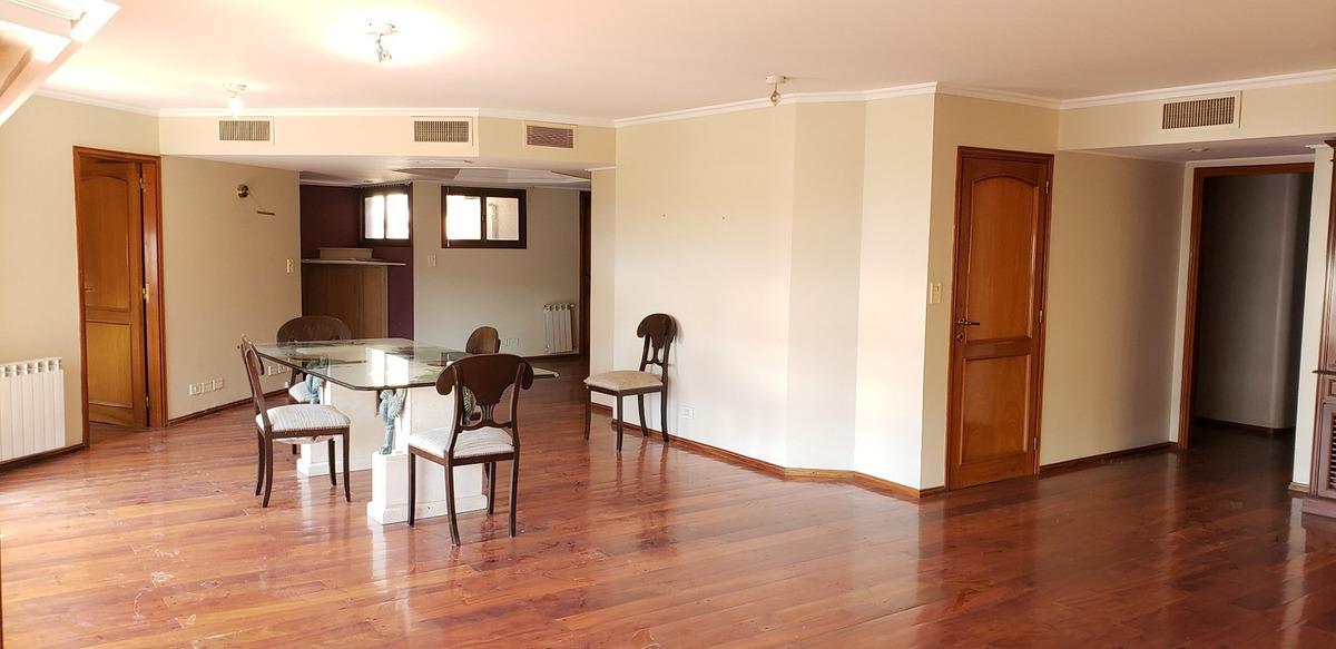 alquiler nueva córdoba. 3 dormitorios, 4 baños, 2 cocheras