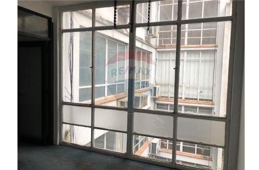 alquiler oficina 2 ambientes libertad 400  2do p.