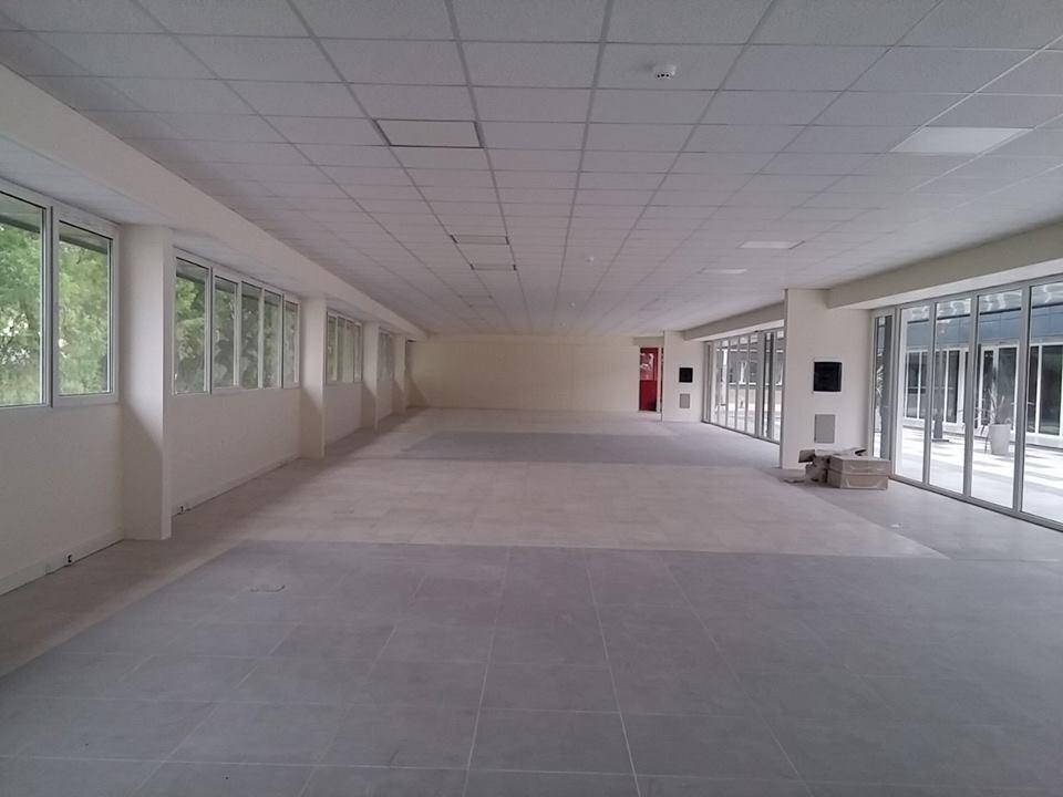 alquiler oficina 56 m2 en eucapiltus paseo & oficinas leloir