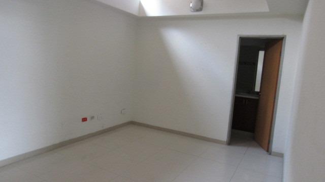 alquiler oficina 892 o 1017 mt2 san nicolas