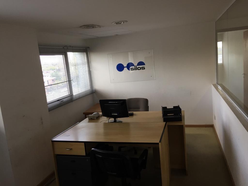 alquiler. oficina de 300 mts. c/cocheras. seguridad 24 hs. beccar. san isidro