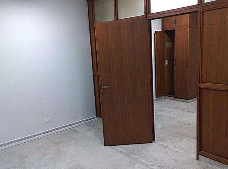 alquiler oficina microcentro refaccionada a nuevo recepcion y despacho