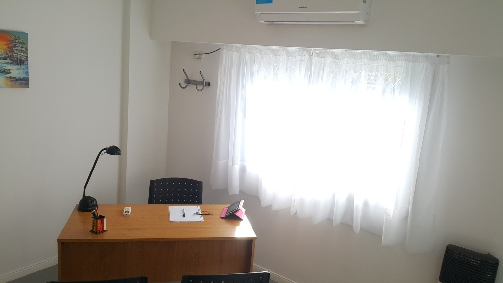 alquiler oficinas y consultorios por hora, morón centro.