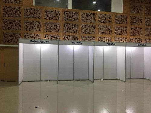 alquiler paneleria para stands