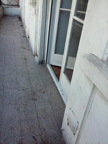 alquiler ph tipo casa 3 ambiente entrada indep frente crespo