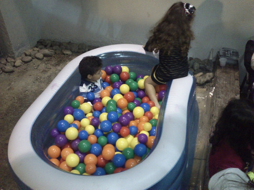 alquiler piscina de pelotas inflable para niños pequeños