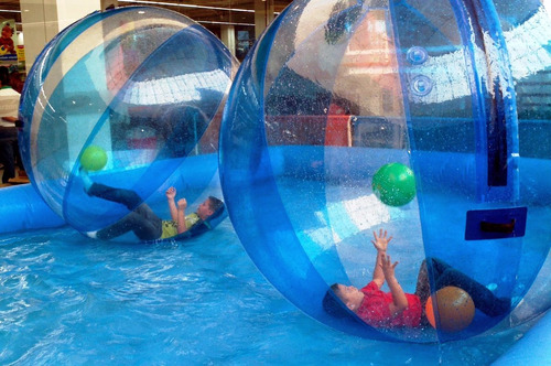 alquiler piscina portátil bola de agua pelotas  water ball