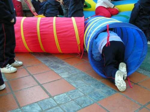 alquiler plazas blandas inflables peloteros metegoles