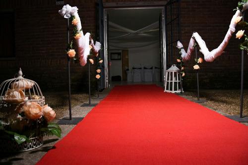 alquiler postes separadores fiestas eventos alfombra roja
