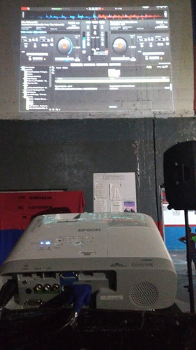 alquiler proyector epson x39 3500lum pantalla 100 ballester