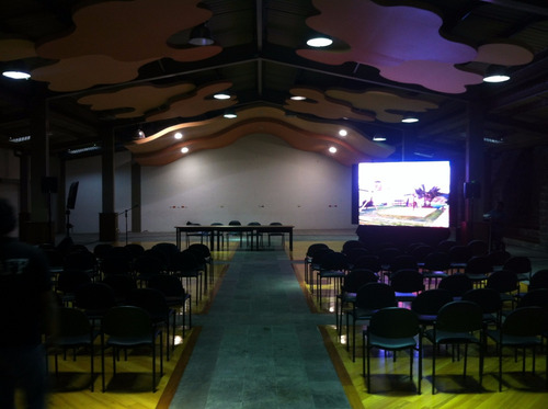 alquiler proyector laptops quito infocus tv y pantallas led