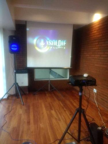 alquiler proyector  pantalla gigante karaoke sonido efectos