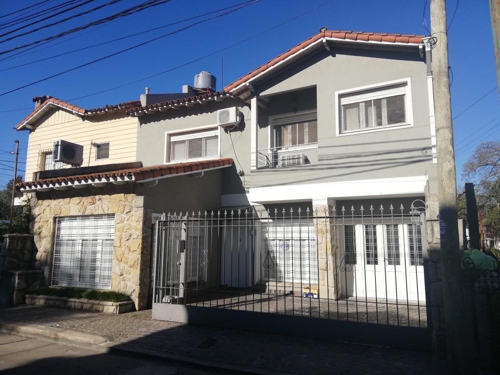 alquiler regia casa 6 ambientes/  villa sarmiento/  zona colegio ward