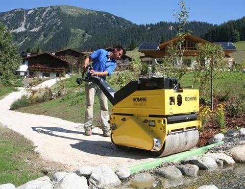 alquiler rodillo compactador doble liso 1.000 kgs