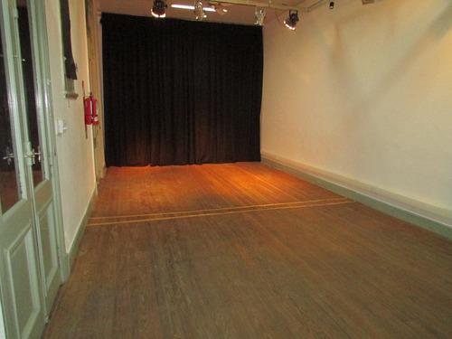 alquiler sala ensayo vacía teatro espacio talleres muestras