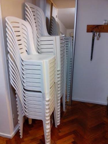 alquiler sillas banquetas mesas plasticas vajilla manteles