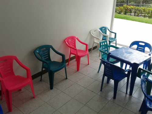 alquiler sillas, manteleria, mesas,