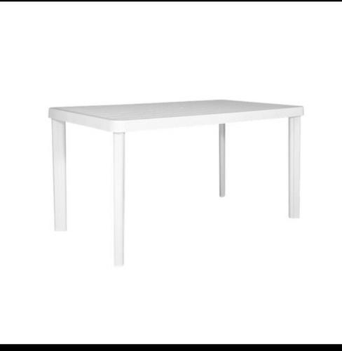 alquiler sillas,mesas plasticas,manteleria vajilla living.