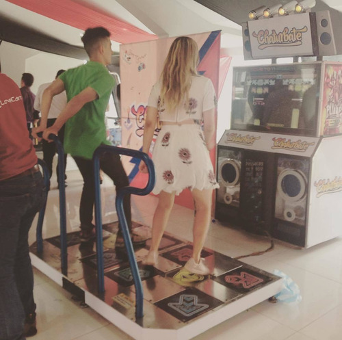 alquiler simulador de baile, carros, motos.