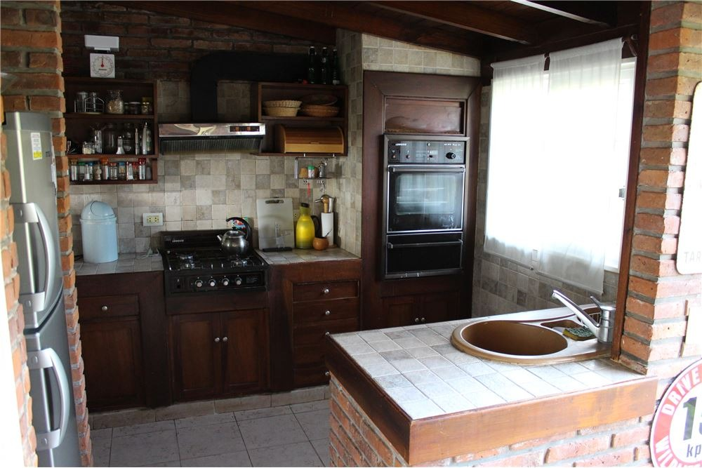 alquiler temp. casa 6 amb. cardales country club