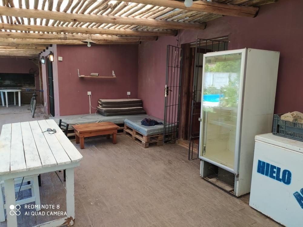 alquiler temporal casa con 6 camas dos baños. pileta wifi