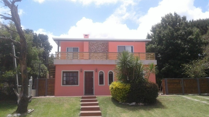 alquiler temporal casa playa hermosa. casa rosada