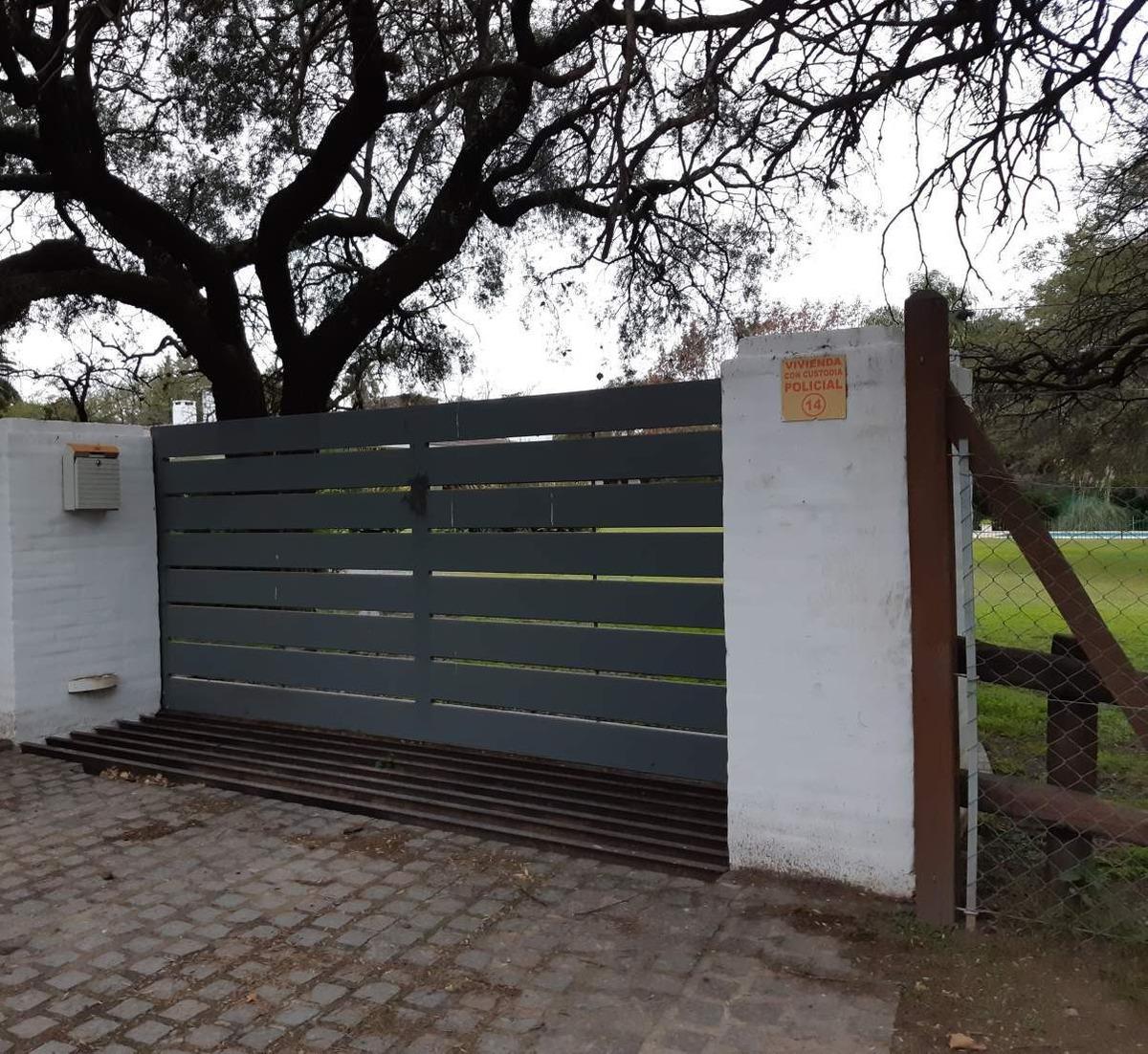 alquiler temporal chalet esquina villa allende golf -3 dormitorios (frente al club de golf)