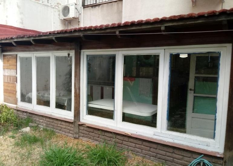 alquiler temporario 3 ambientes con patio, ramon falcon 1500, flores