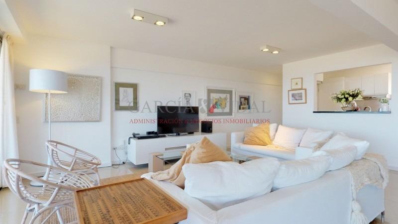 alquiler temporario de apartamento 4 dormitorios frente al mar- ref: 2024