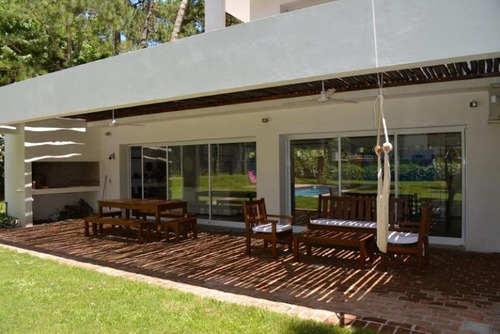 alquiler temporario de casa 4 dormitorios en playa mansa