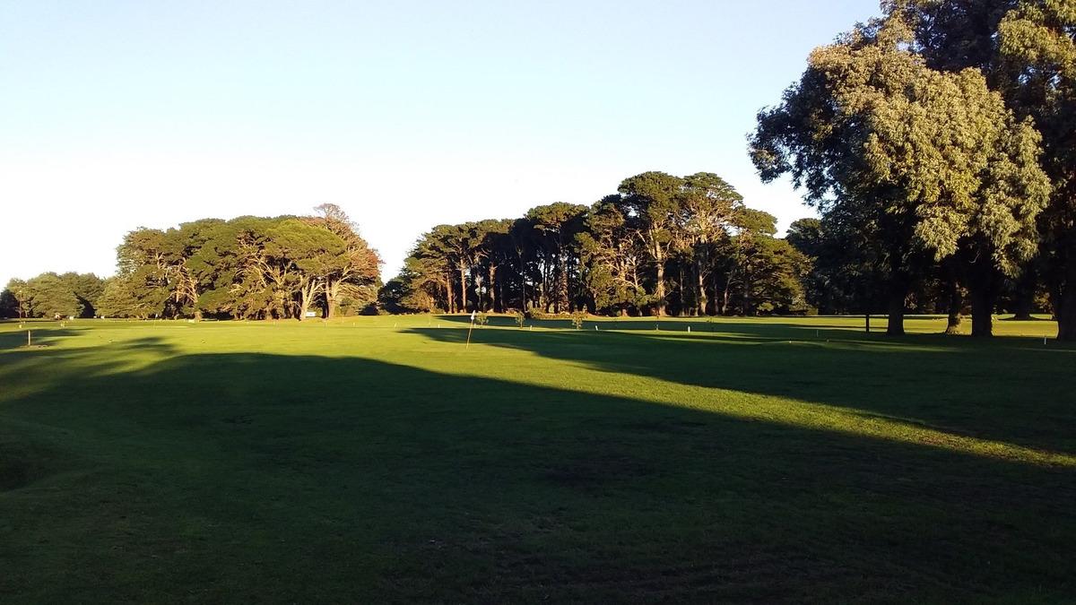 alquiler temporario  en zona golf de acantilados