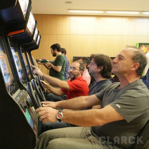 alquiler videojuegos flippers arcades simuladores tejo pool