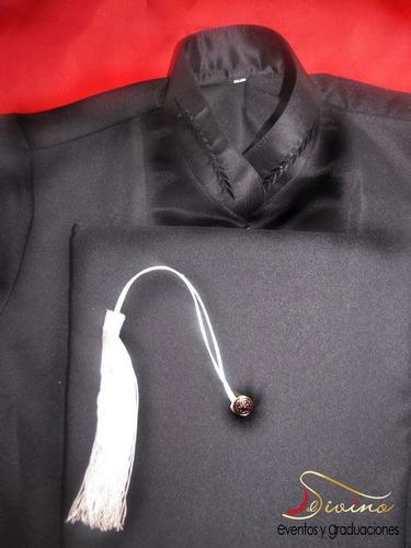 alquiler y confección togas, birretes, grados, auditorios