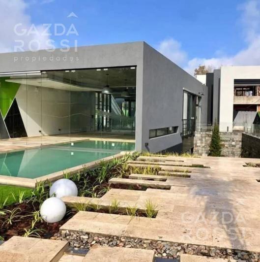 alquiler y venta de 2 ambientes con jardín, parrilla y cochera en complejo sotavento, canning.