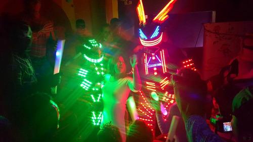 alquiler y venta de disfraces y trajes robot led