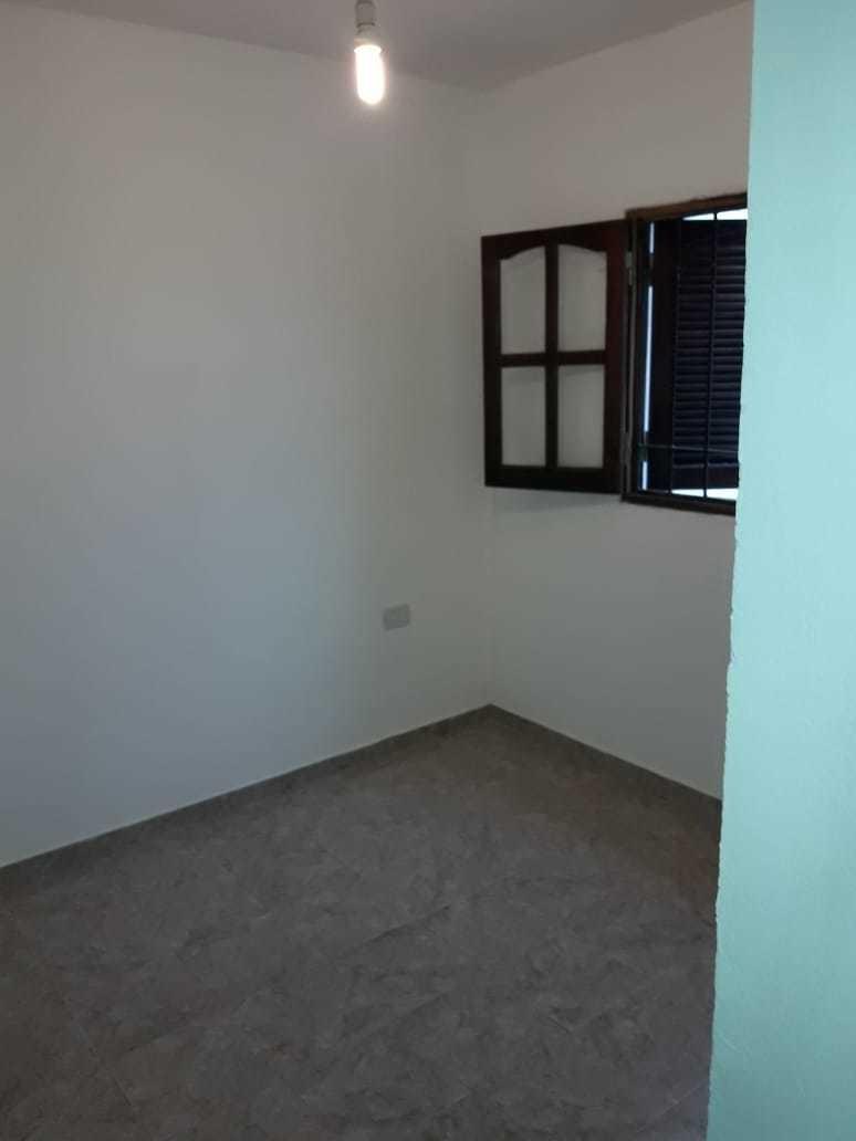 alquilo 1 dormitorio ( b° los platanos )