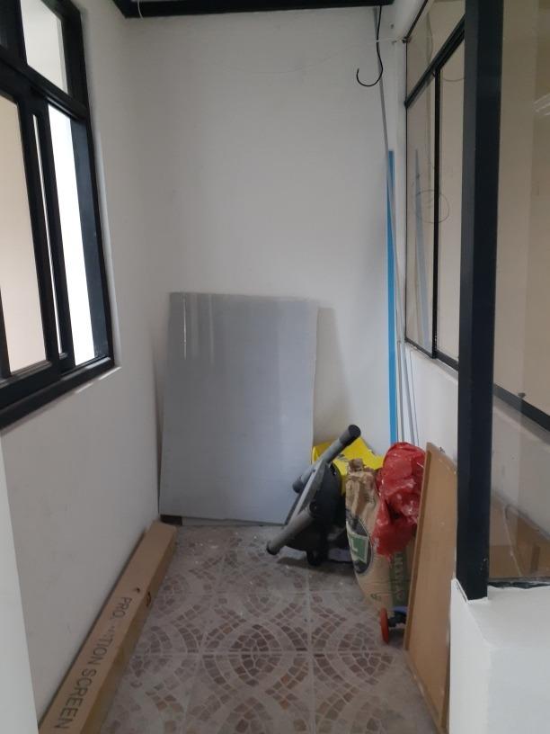 alquilo 2do piso,para oficinas o consultorios