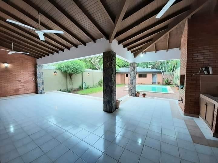 alquilo amplia casa de 4 dormitorios en suite, con piscina!!
