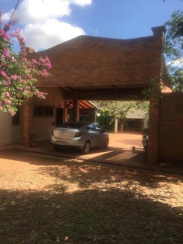alquilo amplia casa en luque barrio ykua dure a1357