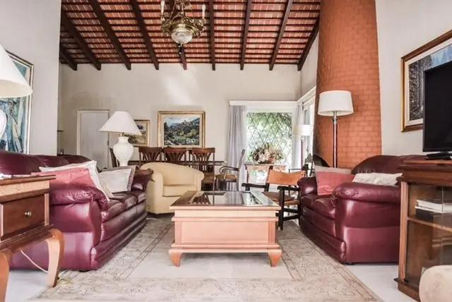 alquilo anual confortable casa en zona cantegril con pileta!