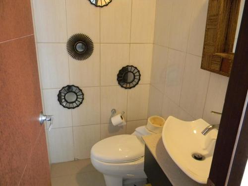alquilo apartamento #18-7400  **hh** en costa del este
