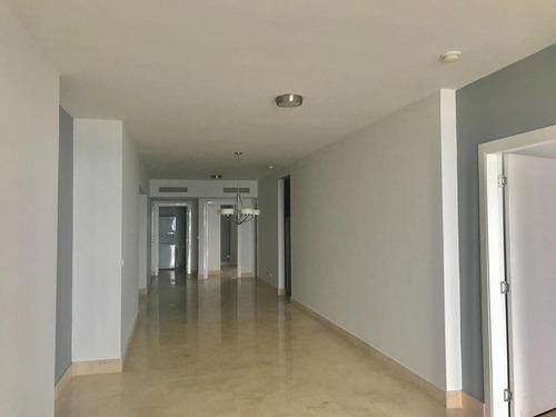 alquilo apartamento #19-5260 **hh** en avenid balboa