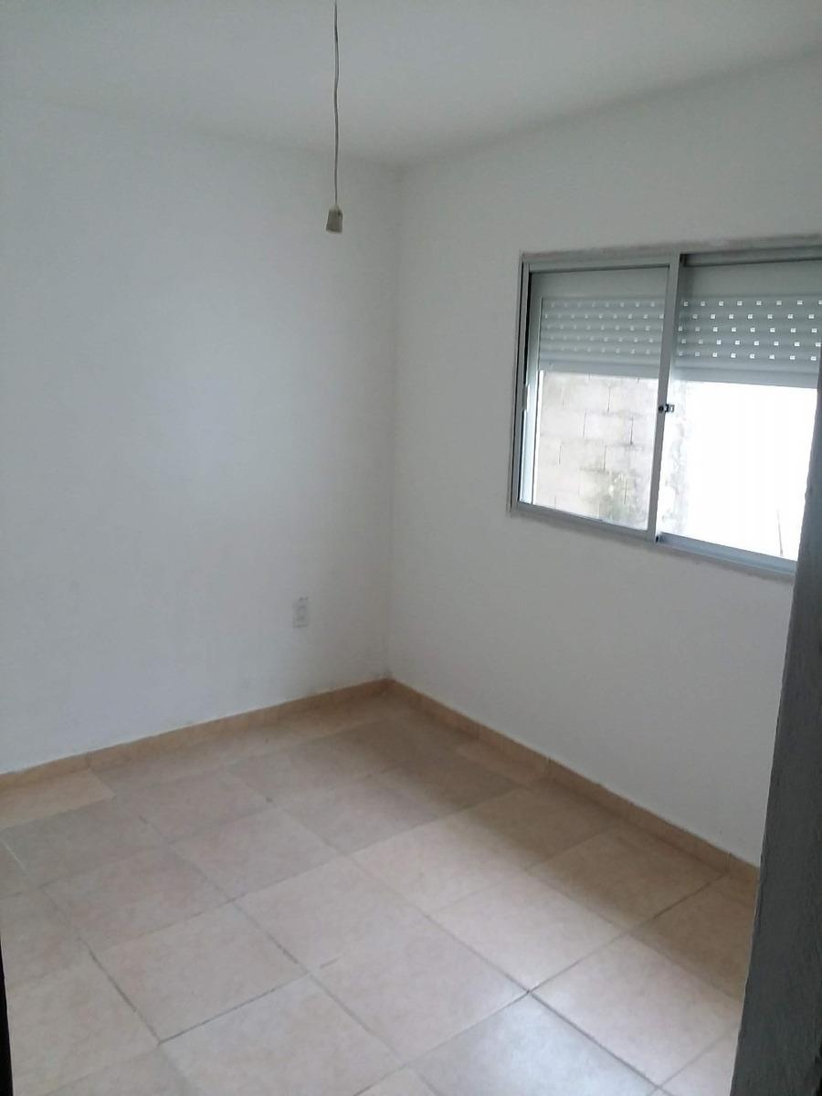 alquilo apartamento al fondo de 2 dormitorios $13000