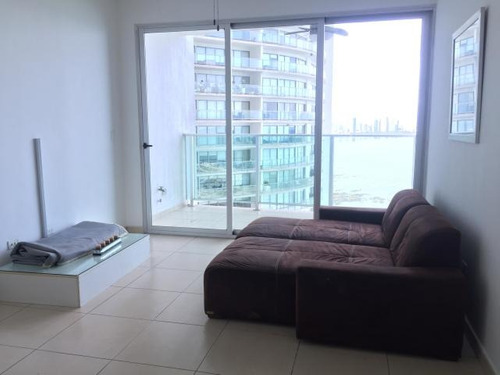 alquilo apartamento amoblado en ph oasis on the bay, punta p
